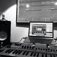 9 Online Courses Guaranteed To Level Up Your Music Production Skills Dream Job, Dream Life, Home Recording Studio Setup, Music Courses, Music Studio Room, Best Online Courses, Music Writing, Recorder Music, Music Aesthetic