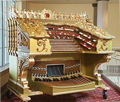 "The Robert Morton ""Wonder Morton"" theatre pipe organ in the Saenger Theatre in Pensacola, Florida."