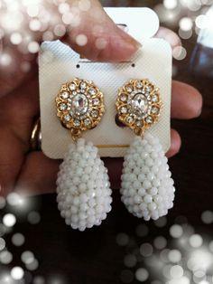 Orecchini clips crochet cristalli bianchi