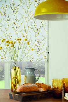 Willow Brazen Yellow Roller Blind by Louvolite®. Stylish, contemporary Window Blind Fabrics for the Modern and Smart Home. Luxury styling for the contemporary and classical interior and innovation and design with a trend-led focus. Kitchen Blinds Fabric, Kitchen Window Blinds, Wooden Window Blinds, Kitchen Window Coverings, Fabric Blinds, Classic Roller Blinds, Yellow Roller Blinds, Blinds For You, Blinds For Windows