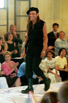 1999-00 - Galliano 4 Dior Couture show -  John Galliano