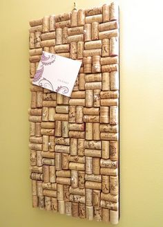 "Hang your escort cards on a ""cork"" board for a vineyard wedding! Love this idea Crafty Craft, Cork Bulletin Boards, Wine Corks, Wine Cork Crafts, Cork Ideas, Fun Projects, Crafts To Do, Diorama, Craft Gifts"