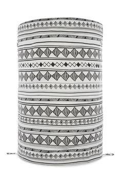 Primark - Wäschekorb mit schwarz-weißem Tribalmotiv (3,50€)