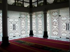 Photo of Largest and Most Beautiful Mosques around the World Islamic World, Islamic Art, Islamic Center, Traditional Tile, Beautiful Mosques, Art And Architecture, Most Beautiful, Around The Worlds, Spaces