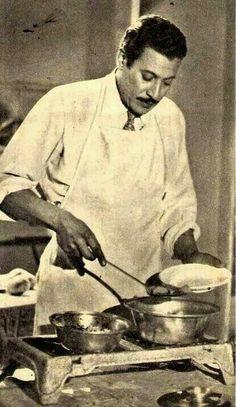 صوره لعماد حمدي في المطبخ