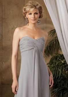 A-line Sweetheart Strapless Floor-length in Chiffon Mother of the Bride Dress