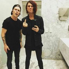 Holy shit I'm dead they r sooooo hot, and on a completely different note, see ya in hell beebo