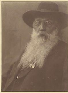 Jacob Merkelbach | Portret van een man met baard en hoed en een sigaar in de mond, Jacob Merkelbach, 1925 |