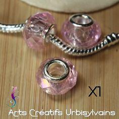 Une perle pendentif  style européen en verre facetté rose pale pour collier ou bracelet a138