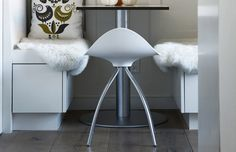 These are Onda stools, one of the designs of the founder of STUA Jesus Gasca.
