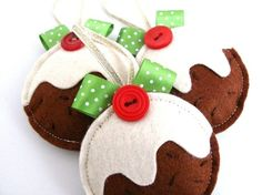 Felt Christmas puddings