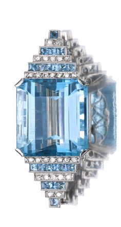 AQUAMARINE AND DIAMOND BROOCH, CIRCA 1935