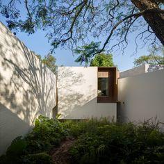 House in Amatepec by Manuel Cervantes Estudio - Dwell Clad Home, Casa Patio, House In Nature, México City, Ceramic Houses, Brickwork, Modern Exterior, Exterior Design, London City