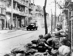 Japanese soldiers fighting in Shanghai, 1937
