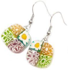 Handgemaakte oorbellen van turquoise, paars, groen en beige millefiori glas!