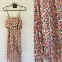 High-Low Floral Print Dress Worn twice, BEAUTIFUL DRESS, light material *lace vest also listed for sale* *necklace also for sale separate listing* Forever 21 Dresses High Low