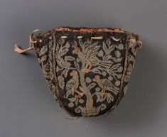 Drawstring bag Italian Object Place: Italy museum of boston Belt Purse, Baroque Fashion, Shabby, Vintage Purses, Metallic Thread, Museum Of Fine Arts, Purses And Bags, Fashion Accessories, Boston