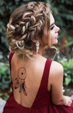 Marvelous Bun hairstyles with braids,Braided hairstyles for men and Boho hairstyles side. Prom Hairstyles For Long Hair, Prom Hair Updo, Bun Hairstyles, Wedding Hairstyles, Hairstyle Ideas, Gorgeous Hairstyles, Hairstyles 2018, Formal Hairstyles, Teenage Hairstyles
