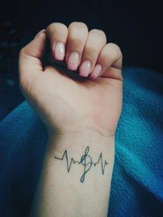 Tatuaje con la linea de la vida | Belagoria | la web de los tatuajes