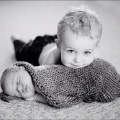 Oh my how sweet, now how would I encoorporate all 3 of my kids in this picture.