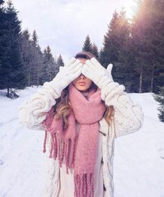 The good time Winter Photography, Girl Photography, Creative Photography, Fashion Photography, Mode Au Ski, Snow Pictures, Winter Pictures, Foto Pose, Winter Wear