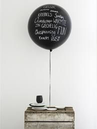 Party decor idea: balloons for the names of guests on each table, or even the me. Party decor idea: balloons for the nam. Diy Ballon, Black Balloons, Big Balloons, Round Balloons, Latex Balloons, Party Entertainment, Decoration Table, Creative Studio, Table Numbers
