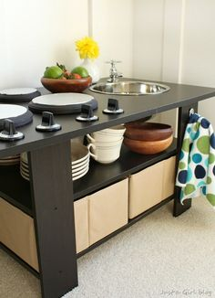 Superbe Kids Kitchen Made From A Coffee Table! Now This Is A Kitchen Set! Diy
