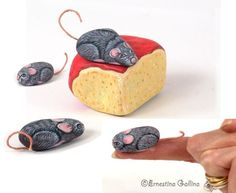 The mices and the cheese - Painted rocks