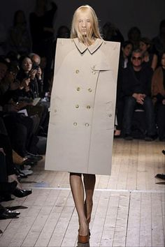 Weird Runway: this look falls a little...flat.  Sorry, couldn't resist.
