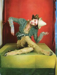 The latest tips and news on Tim Walker are on Sandi in the City. On Sandi in the City you will find everything you need on Tim Walker. Victoria And Albert Museum, Vogue Uk, Vogue China, Ballet Russo, Arte Punch, Poses, Editorial Photography, Fashion Photography, Fantasy Photography