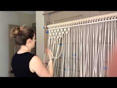 HOLLY MUELLER HOME. THIS IS NOT A STEP BY STEP VIDEO. This past week I had the pleasure of hanging out with the lovely Holly Mueller in her home studio while she started a new large scale macrame wall hanging. Hollys contemporary take on macrame is both Macrame Art, Macrame Projects, Diy Projects, Macrame Curtain, Ideias Diy, Boho Room, Good Tutorials, Macrame Patterns, Boho Decor
