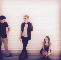 <3 I absolutely love this pic bc I saw another one where Dylan was dance if and thomas and kaya where laughing at him