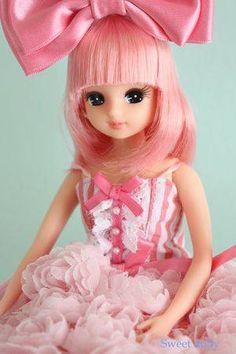 Licca-chan: Japan's smallest idol Pretty Dolls, Cute Dolls, Beautiful Dolls, Dress Up Dolls, Barbie Dolls, Cute Pink, Pretty In Pink, Hijab Barbie, Doll Drawing