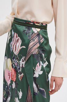 스플릿 플로럴 스커트 Knit Skirt, Mini Skirts, Handsome, Knitting, Women, Fashion, Classy Outfits, Moda, Tricot