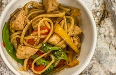 Asian Ramen Slaw Salad Ramen Cabbage Salad, Asian Ramen Noodle Salad, Ramen Noodles, Asian Recipes, Ethnic Recipes, Side Salad, Caption, Main Dishes, Salads