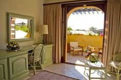 Rooms & Suite with Jacuzzi in Pula - Baia di Nora Hotel, Pula, Sardinia Pula, Jacuzzi, Oversized Mirror, Rooms, Furniture, Home Decor, Bedrooms, Decoration Home, Room Decor
