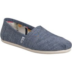 TOMS Women's Chambray Classic ($55) ❤ liked on Polyvore featuring shoes, toms, flats, sapatos, blue, multi colored shoes, blue shoes, toms footwear, synthetic shoes and toms espadrilles