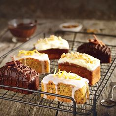 A Lakeland recipe for Mini Lemon Drizzle Cakes, happy cooking! Delicious Cake Recipes, Yummy Cakes, Sweet Recipes, Dessert Recipes, Tea Cakes, Food Cakes, Cupcake Cakes, Mini Loaf Cakes, Reposteria