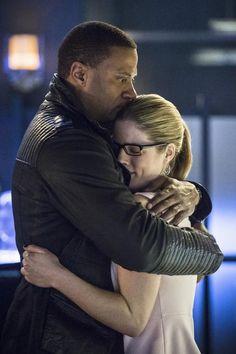 #Arrow 3x21 Diggle & Felicity