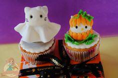 Halloween Hello Kitty Cupcake - by SweetLin @ CakesDecor.com - cake decorating website