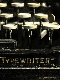 Vintage typewriter - I have one!  Now where to put this beautiful piece of art!
