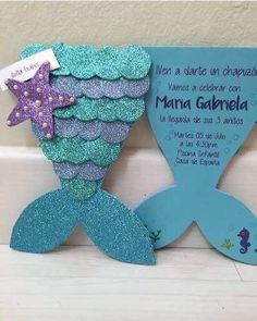 Meerjungfrau DIY Craft Ideas diy craft ideas for birthday parties Mermaid Theme Birthday, Little Mermaid Birthday, Little Mermaid Parties, Diy Birthday, Birthday Parties, Little Mermaid Crafts, Baby Girl Birthday, Invitation Fete, Party Invitations Kids