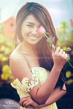 Forever my favorite xo Debut Photoshoot, Teenage Couples, Debut Ideas, Filipina Actress, Kathryn Bernardo, Child Actresses, Girl Crushes, Makeup Looks, Flower Girl Dresses