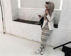 Image de hijab, fashion, and alexandra golovkova Islamic Fashion, Muslim Fashion, Modest Fashion, Girl Fashion, Fashion Looks, Fashion Outfits, Unique Fashion, Fashion Trends, Muslim Girls