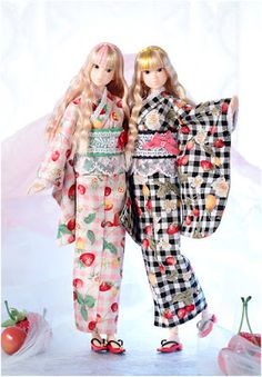 Checkout Sekiguchi latest doll named Momoko Fruity Shaved Ice heading your way July Yukata, Diy Barbie Clothes, Doll Clothes, Pretty Dolls, Beautiful Dolls, Pink Highlights, Asian Doll, Fashion Dolls, Kimono Top