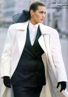 Photos PETER LINDBERGH Vogue UK - New Day at the London Collections - Yasmine Le Bon - Aug 1986