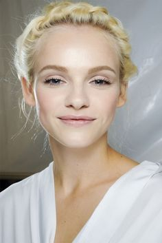 pretty light, luminous makeup