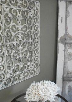 Een deurmat aan de muur ter decoratie. Je moet er maar op komen. Gaaf bedacht. ☆☆☆☆☆