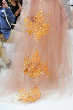 Delpozo at New York Fashion Week Spring 2015 - Details Runway Photos Gold Fashion, Fashion Details, Fashion Art, Modern Fashion, Costumes Couture, Storybook Wedding, Delpozo, Coral, Fancy Pants