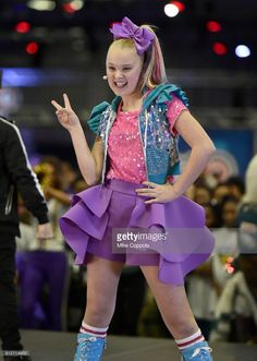 JoJo Siwa performs onstage at Nickelodeon at the Super Bowl Expereince during NFL Play 60 Kids Day on January 2018 in Minneapolis, Minnesota. Dance Moms Dancers, Dance Moms Girls, Jojo Siwa Birthday, 10th Birthday, Jojo Siwa Outfits, Jojo Bows, Bad Kids, Girl Fashion, Jojo Fashion